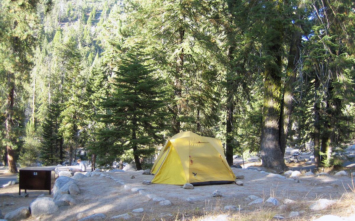 Zeltplatz_Sequoia-Nationalpark_Fraeulen-Draussen