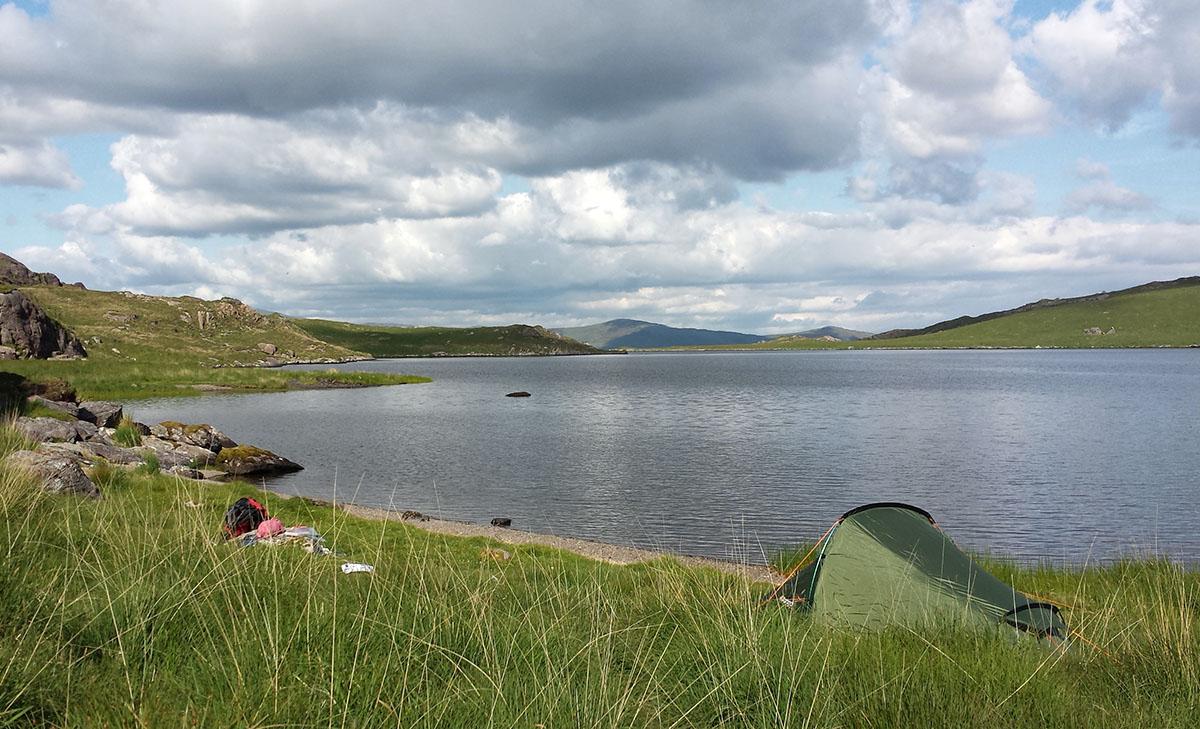 Irland_Zelten_Beara_Barley-Lake_Fraeulein-Draussen_8