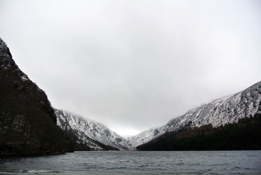 glendalough-upper-lake-winter_frauelein-draussen