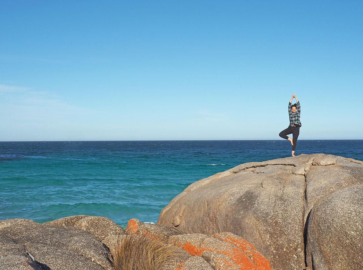 Türkisblaues Meer an der Bay of Fires in Tasmanien