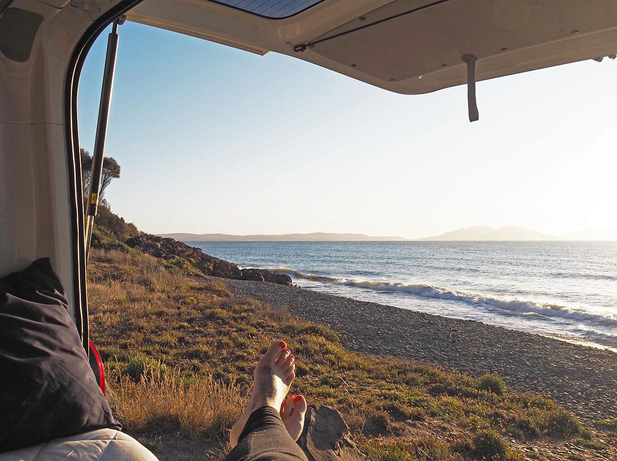 Chillen im Campervan am Meer
