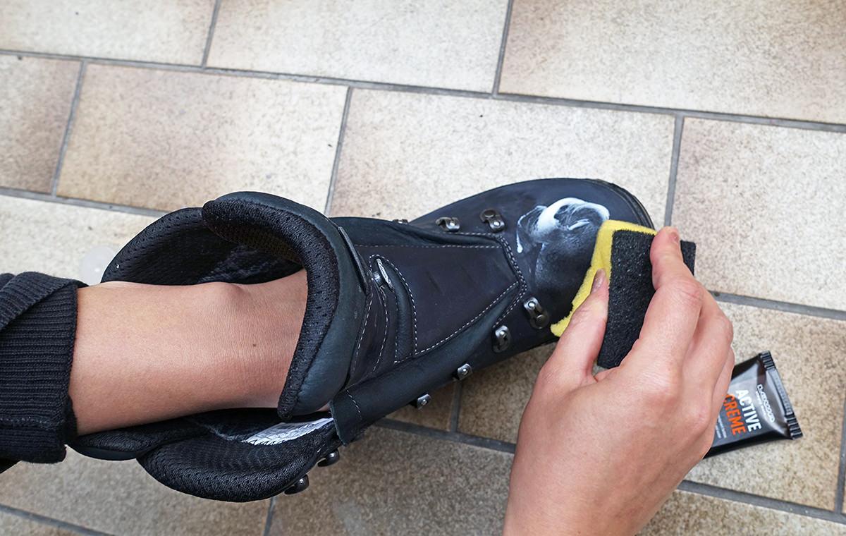 Schuhe wachsen