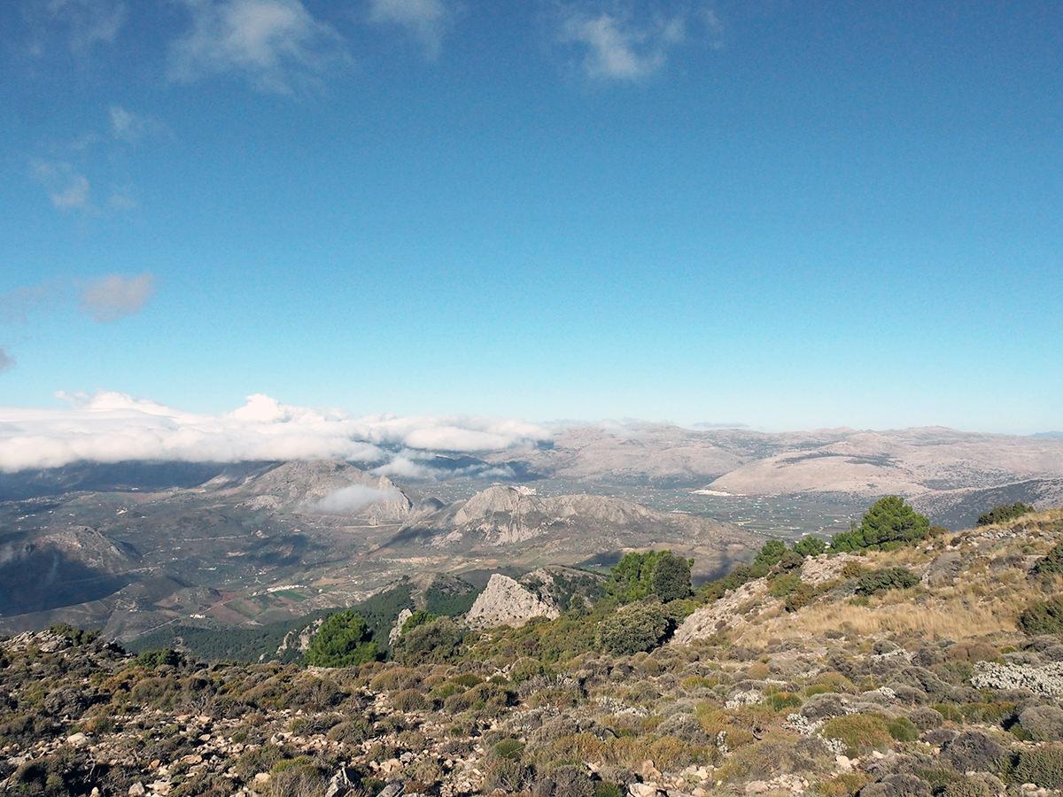 Ausblicke auf Andalusiens Hinterland von der La Maroma Wanderung aus