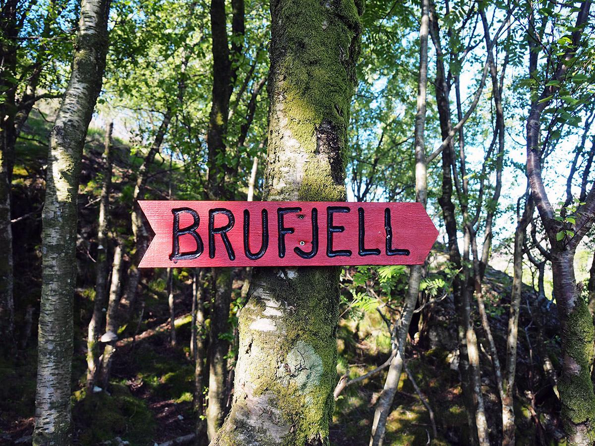 Brufjell Wanderung Beschilderung