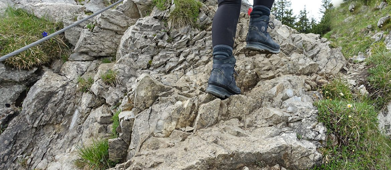 Wenn der Schuh drückt: Was tun bei Blasen an den Füßen