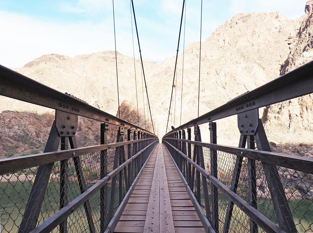 hängebrücke im grand canyon