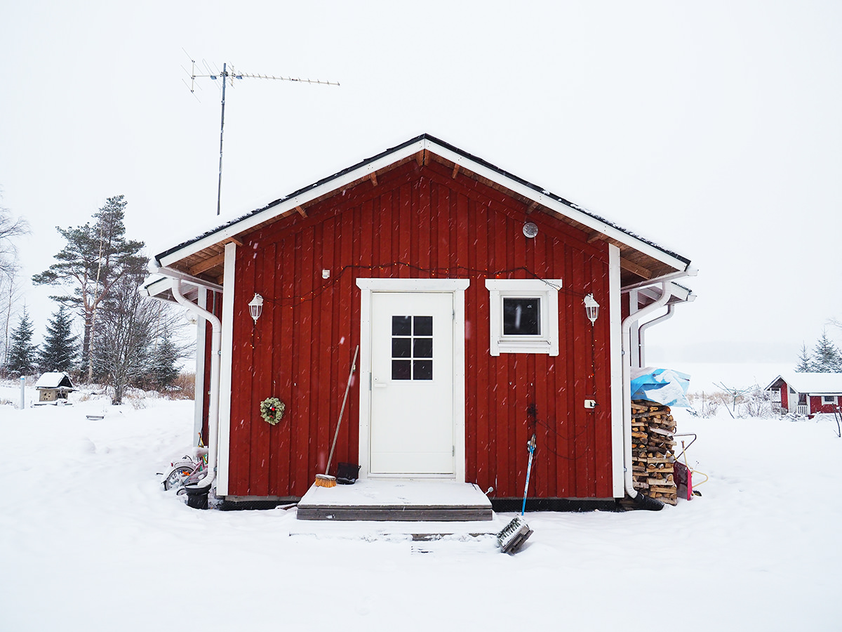 finnland holzhaus winter