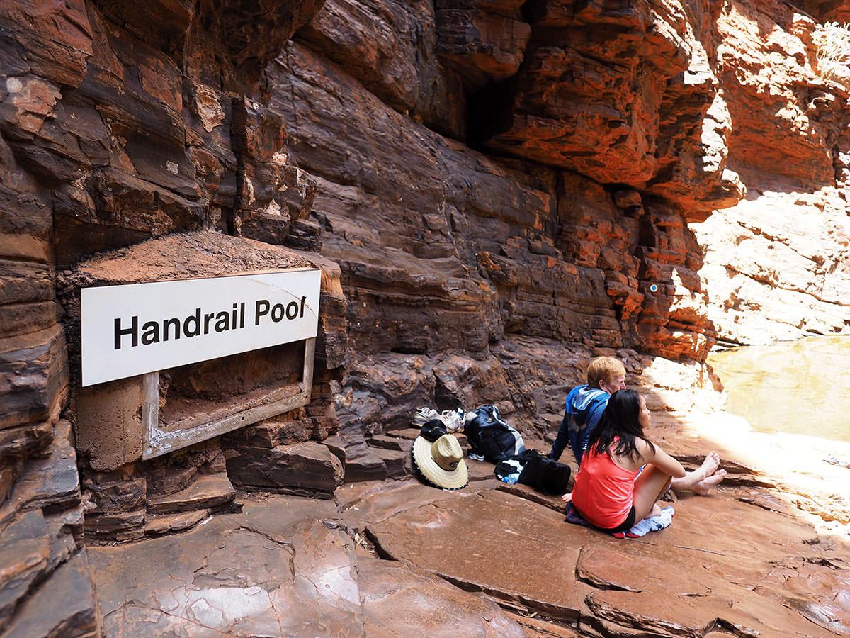 handrail pool karijini nationalpark